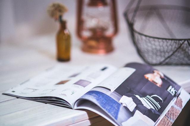 パンフレット、カタログ